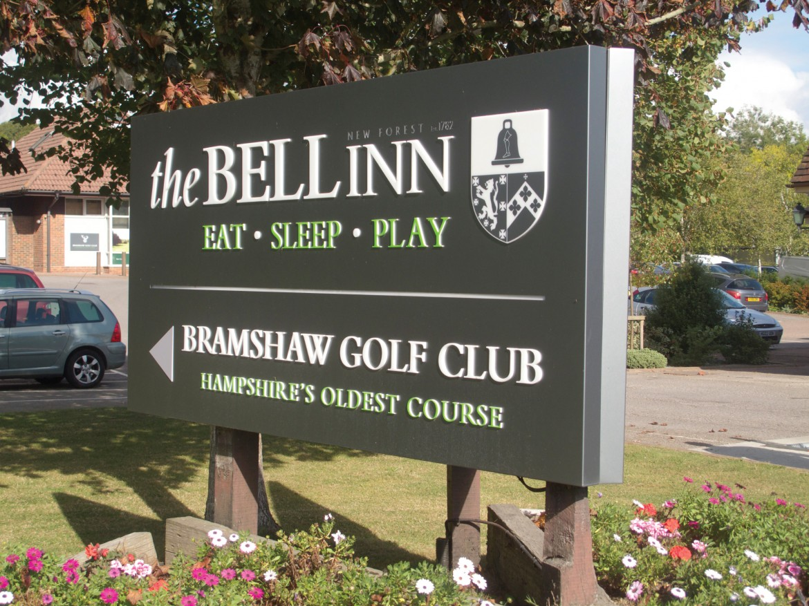 V mount plate and post LED lit exterior sign for The Bell Inn and Bramshaw Golf Club