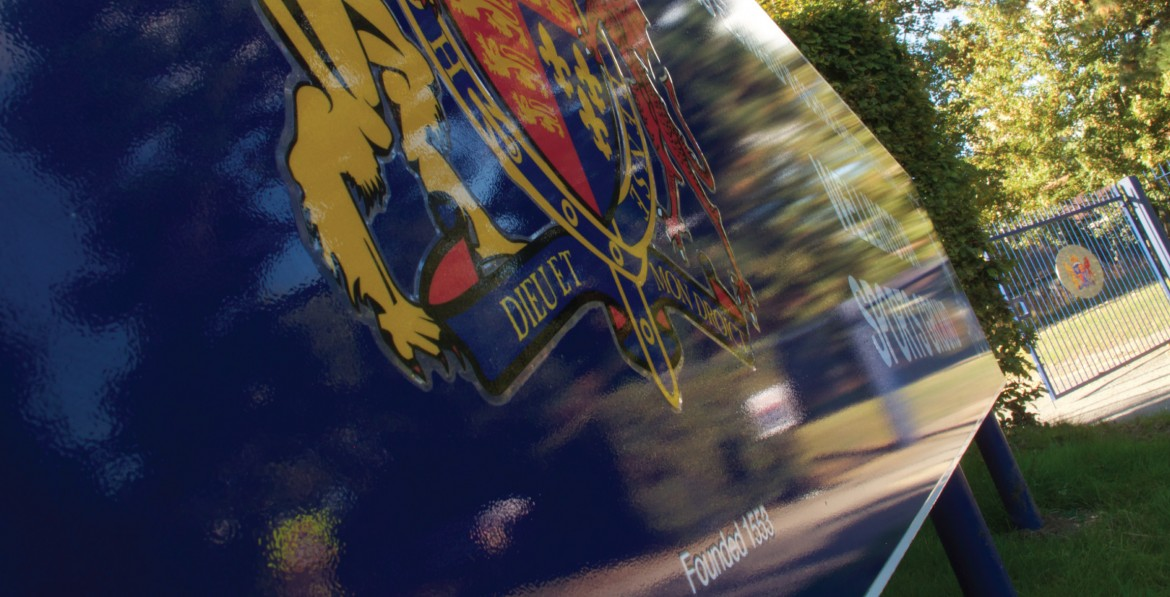 Exterior plate and post sign with digitally printed vinyl for Kind Edwards School Wellington Sports Ground
